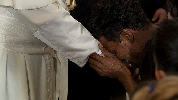 Caridad del Papa Francisco hacia los refugiados yemenitas en Corea