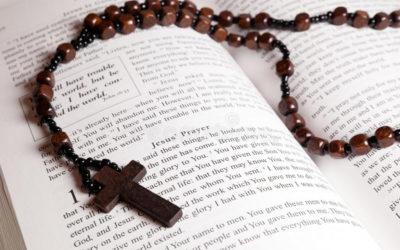 Lectura del Santo Evangelio según San Marcos (10,35-45):