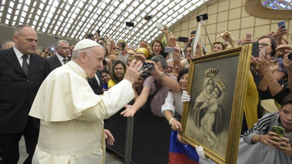 """Catequesis del Papa: """"El nombre de Dios, una invitación a vivir sin hipocresía"""""""