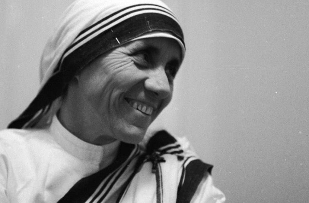 """MADRE TERESA DE CALCUTA """"SANTA"""""""