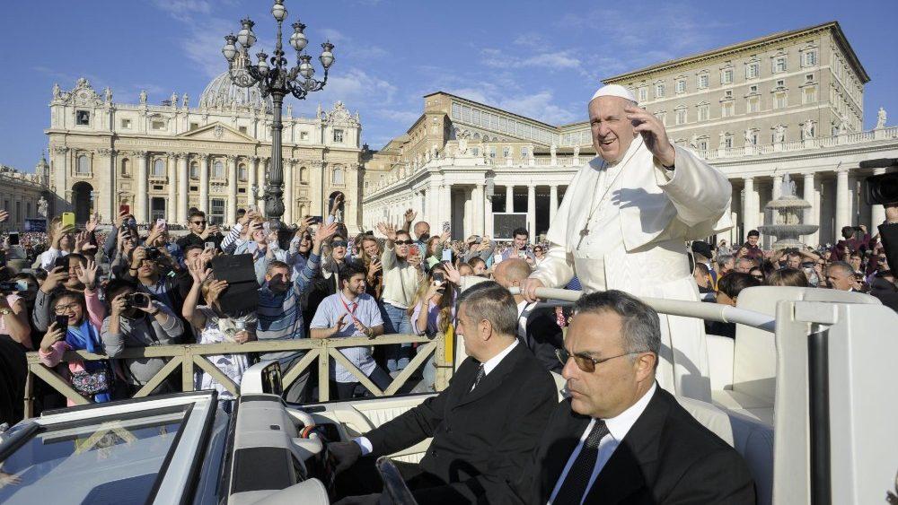 """Catequesis del Papa: """"No valoremos la vida con parámetros erróneos del mundo"""""""