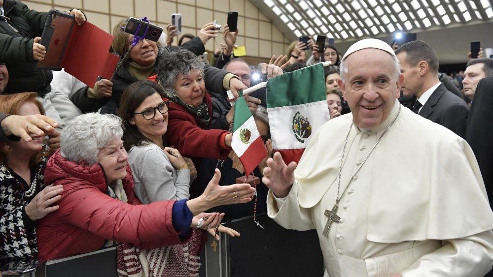 """Catequesis del Papa: """"Orar es hablar con Dios Padre desde el corazón"""""""