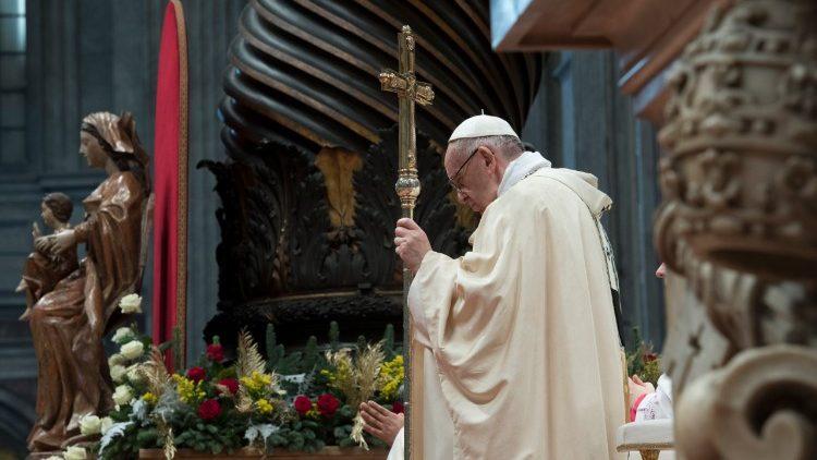 El Papa: los reyes magos, corazones nostálgicos de Dios