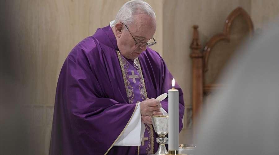 Papa Francisco anima a volver a Dios con todo el corazón
