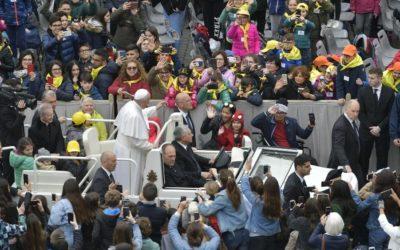 "Catequesis del Papa: ""Servir a la esperanza, es tender puentes entre civilizaciones"""