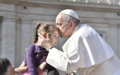 El Papa: Renovación Carismática, corriente de gracia, sean testigos de ese amor