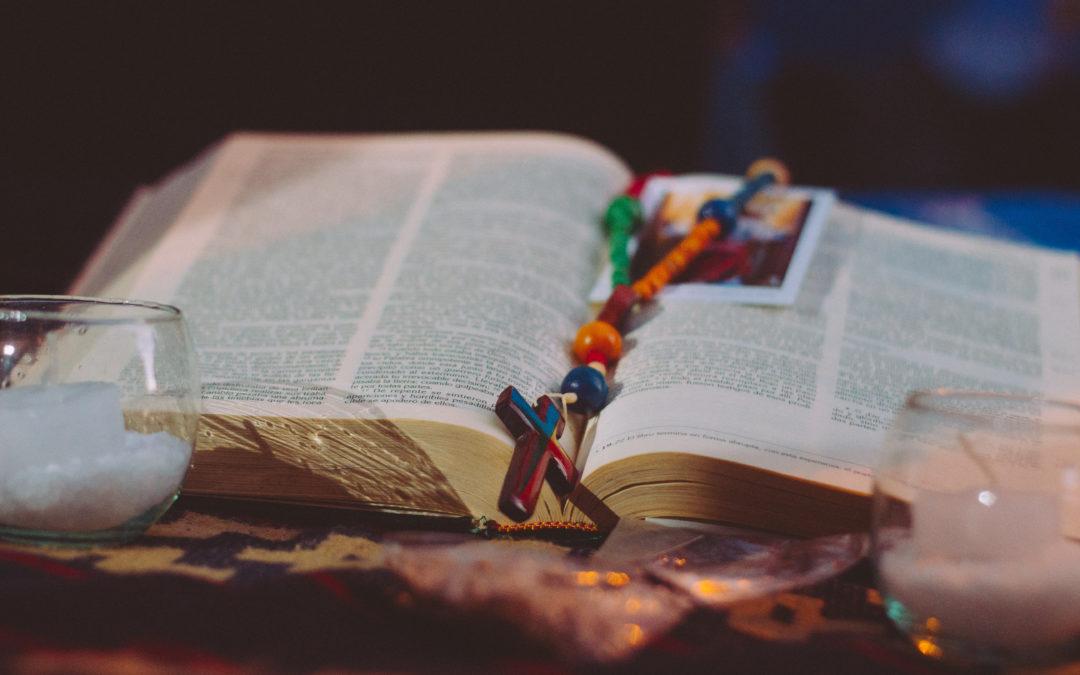 Lectura del Santo Evangelio según San Juan (1,1-18):